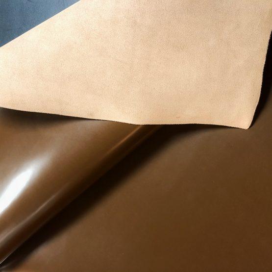 Glossy Milk Chocolate Veg-Tan