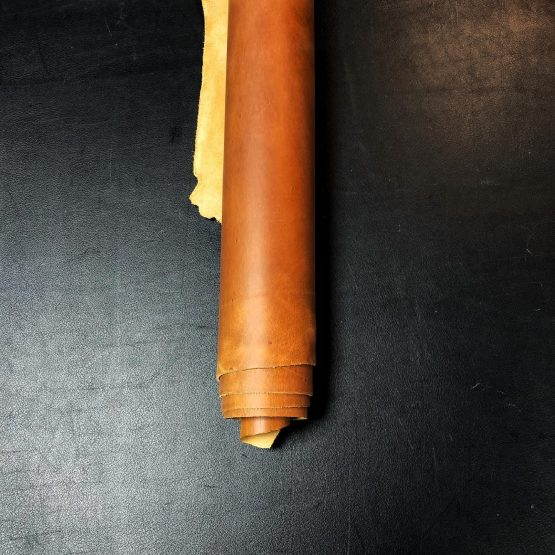 Crazyhorse Light Brown Leather [2.2mm]
